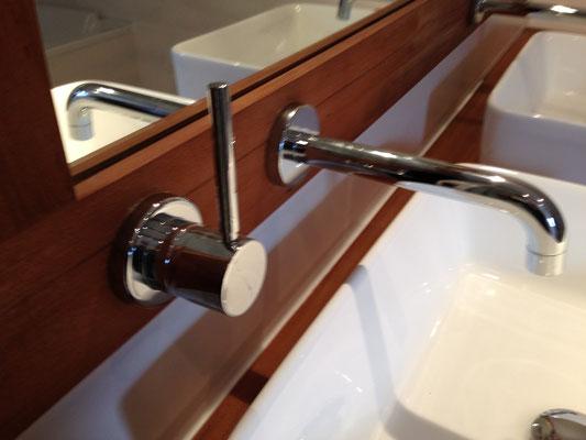 Installation robinetterie salle de bain par Albertus Rénovation