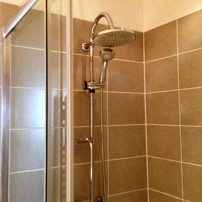 Installation d'une parois de douche et pose de faïence Albertus rénovation