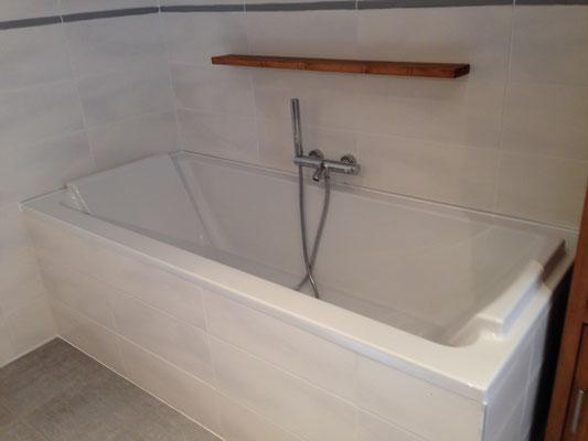 Installation d'une baignoire par Albertus Rénovation