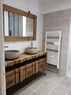 SALLE DE BAIN Vos Travaux De Rénovation à Gap Hautes Alpes - Une salle de bain com