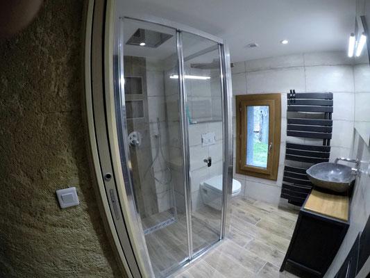 Albertus rénovation d'une maison a Montmaure parquet, cloison, peintures salle de bain
