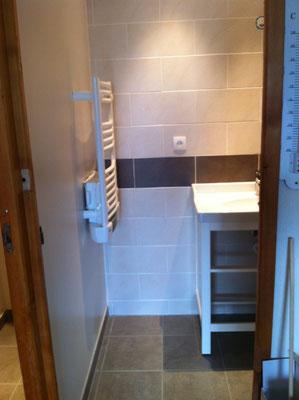Installation d'un sèche serviettes  à embrun chalvet 05200