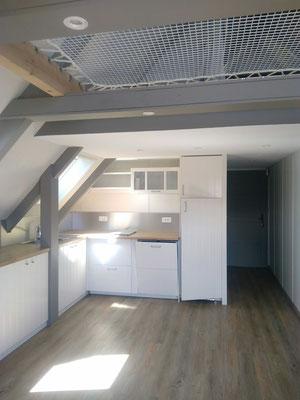Albertus rénovation d'une maison a Embrun parquet, cloison, peintures, cuisine