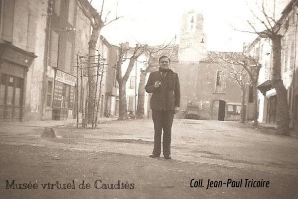 Place dans les années 1930 avec Jean Tricoire