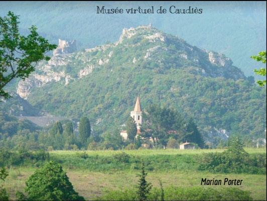 NDL et en arrière plan les ruines de Sabarda  et du Château St Pierre (Fenouillet)