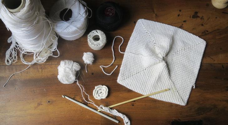 Crochets et bobines de coton