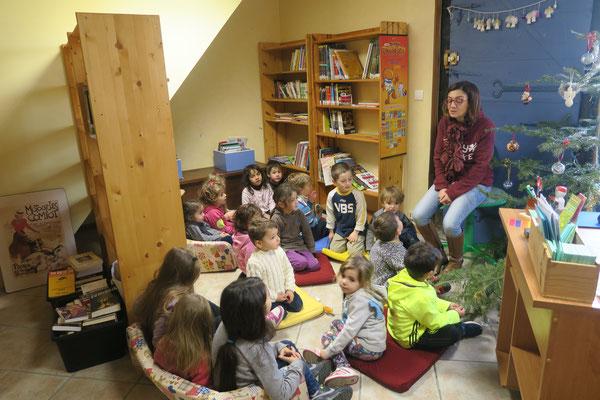 Classe de Maternelle avec Elsa Maîer (photo Joëlle Boyer)