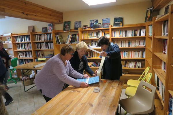 Journée citoyenne 2017: couverture et réparation de livres