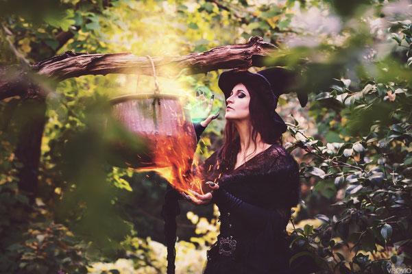 hexengebraeu | 201510 • www.visovio.de • hexenwerk, witch, hexenkessel, zaubern, stargazer