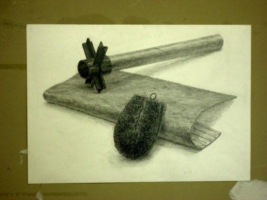 デッサン「たわし、紙管ラック、マット」   2007