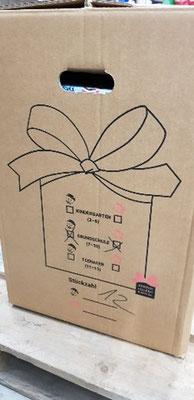 In solche Umkartons wurden die Päckchen gepackt.