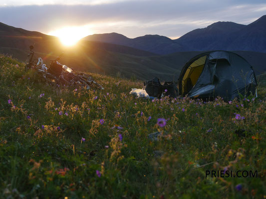 Erstes Camp auf den Weg hinauf...traumhaft schön hier