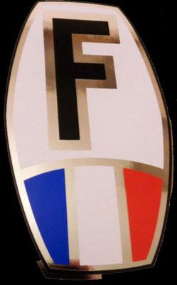 F autocollant sur ovale inversé avec drapeau national