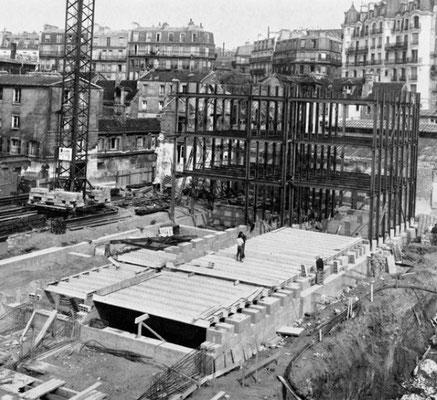 """Au second plan, la rue de la clef avec ses bicoques qui n'avaient pas encore subi les effets de la """"blancheur Malraux"""""""