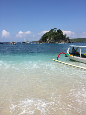 nusa penida-crystal-bay-beach