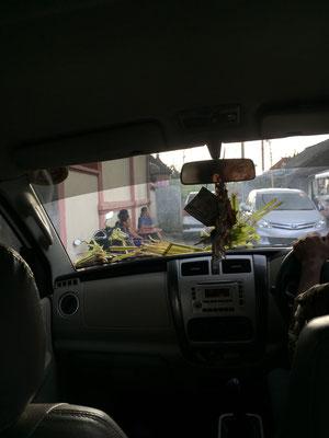 nusa-penida-taxi