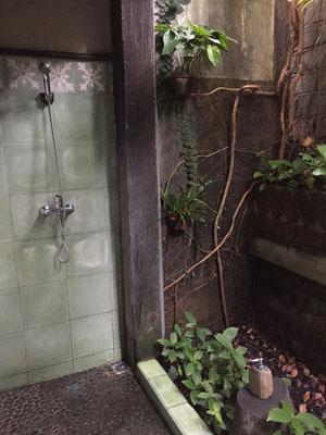 omah-apik-offene-dusche