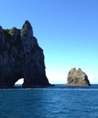paihia-hole-in-the-rock