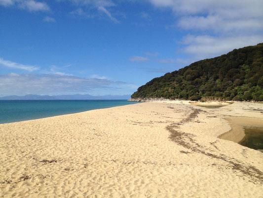 sandfly-bay-beach