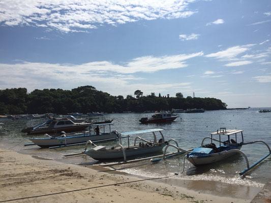 padang-bai-beach