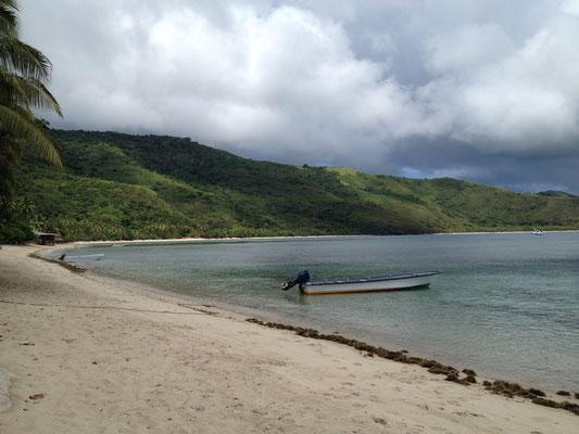 flut-white-sandy-beach