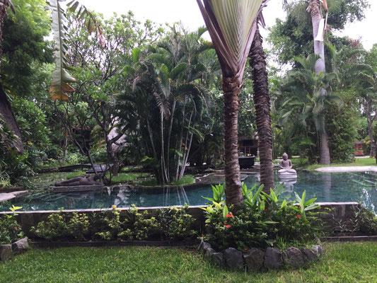 pool-pondok-sari-beach-resort
