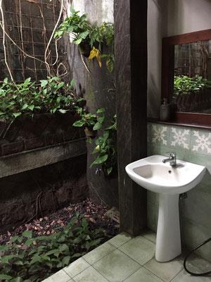 omah-apik-offenes-badezimmer