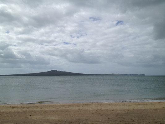 auckland-beach-rangitoto