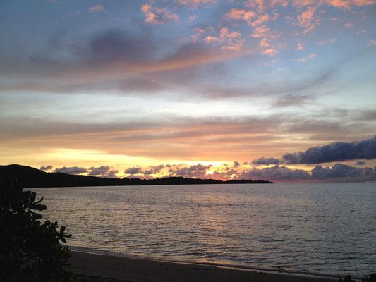 sonnenuntergang-barefoot-manta-island