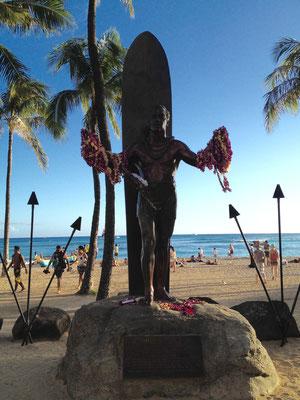 waikiki-duke-kahanamoku-statue
