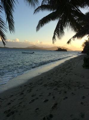 nabua-lodge-beach