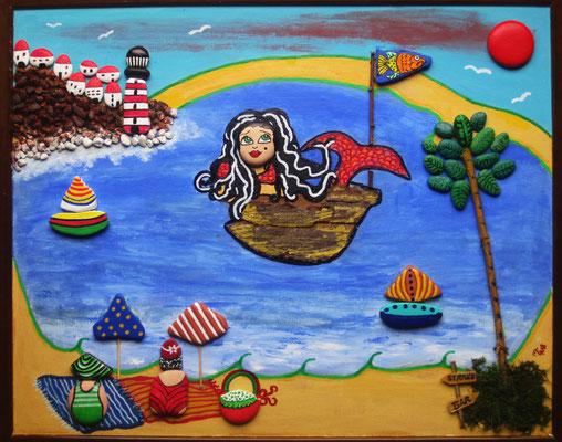 Strandnixe (Collage auf Leinwand, 60 x 40 cm mit bemalten Steinen)