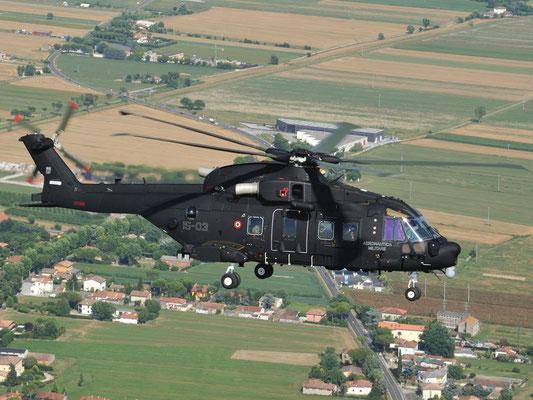 l'elegantissimo design del HH-101 (FOTO: Finmeccanica)