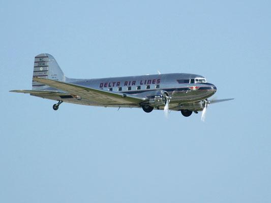 DC-3 della DELTA AIRLINES restaurato perfettamente funzionante.