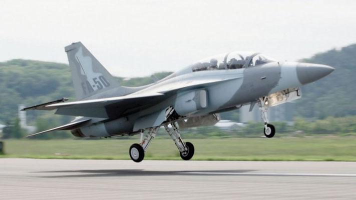 Il Fighting Eagle FA-50 durante un decollo. (Foto: KAI)