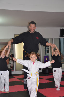 Kinder Turnen Karate Frankfurt2