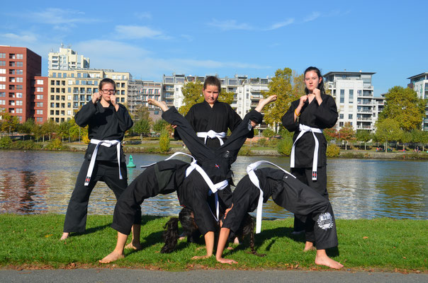 Kinder Turnen Karate Frankfurt1