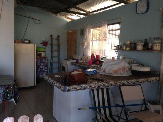 Die Kueche und Wohnzimmer