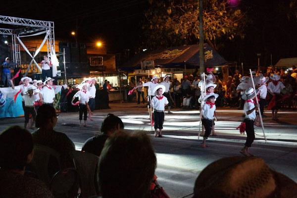 Las fiestas en Liberia - baile folclor del grupo Nahualt