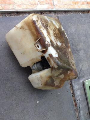 scheibenwischwasch-behälter nach 23 jahren