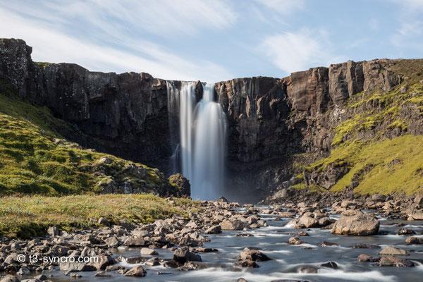 unser erster wasserfall der insel.seyðisfjörður