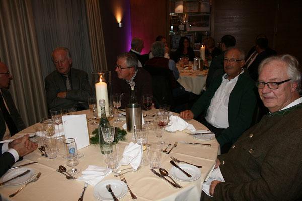 Die Gäste genossen den Abend im festlichen Saal des Hotel Oswald