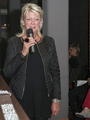 Modenschau Camarillo moderiert von Antje Lammers