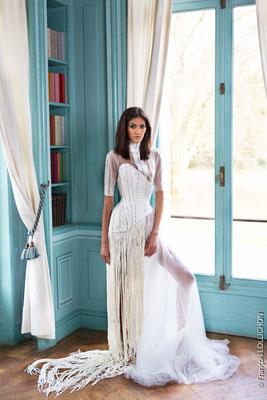 Hadassa Lima par François Lollichon au Chateau Du Bac, tenue haute couture Serkan Cura