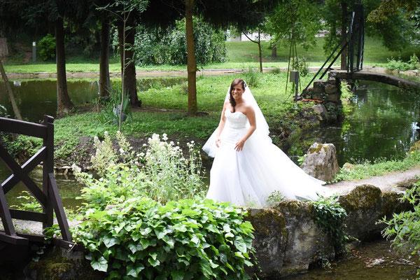 Coralie / Juin 2016 - Ludivine Guillot, robe de mariée sur mesure à Lyon.