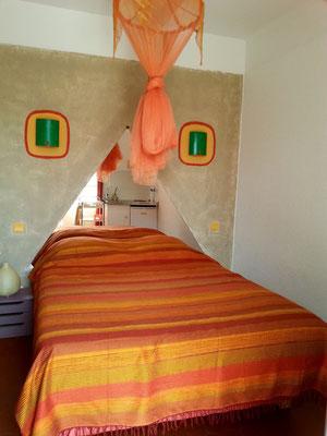 studio du bas avec kitchenette intérieure