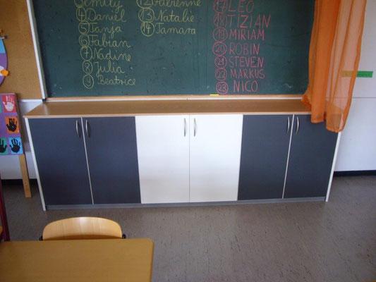 Maßgeschneideter Schrank in einer Schule