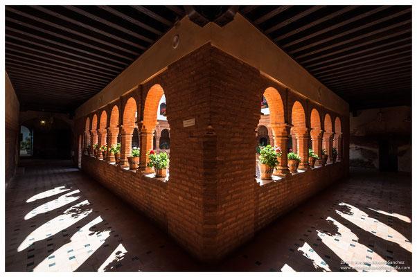 Claustro del monasterio de La Rábida  / Mudejar cloister of the monastery  of the Rabida