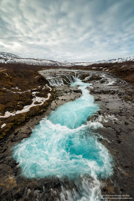 Las azules aguas de Bruarfoss  / The blue waters of Bruarfoss