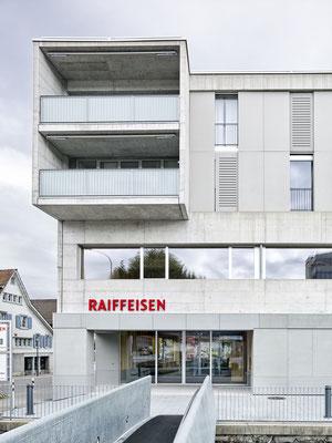 Raiffeisenbank Gossau-Niederwil, Architekt: Zimmer Schmidt Architekten, Zürich, Lichtplaner: Sommerlatte & Sommerlatte AG, Zürich, Fotograf: Marc Niedermann